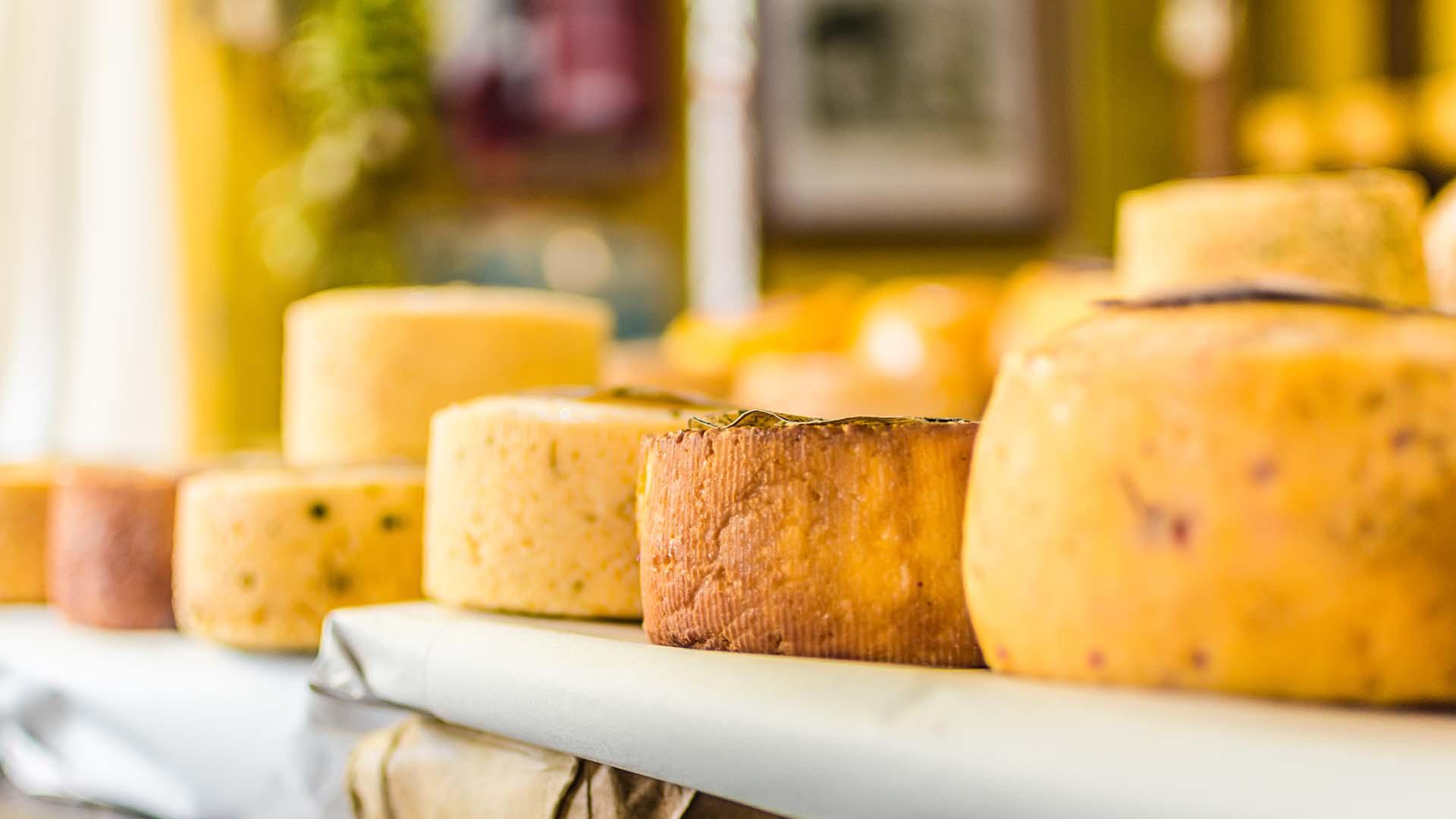 Read more about the article 24 cele mai iubite brânzeturi din Italia, de la nord la sud