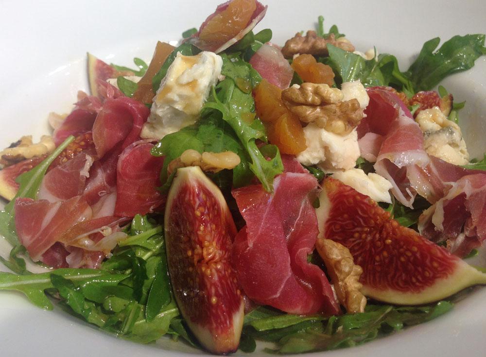 salata cu gorgonzola and prosciutto 791