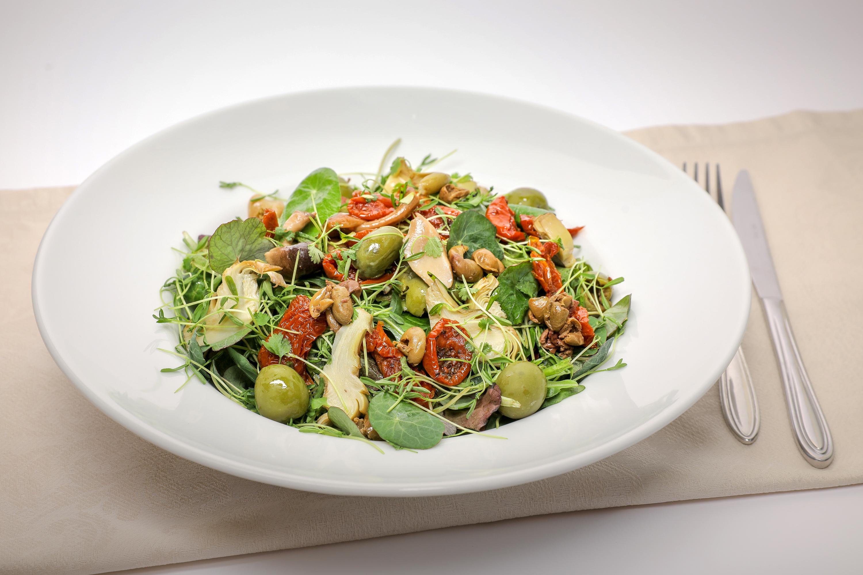 Salata vegetariana 33 lei scaled